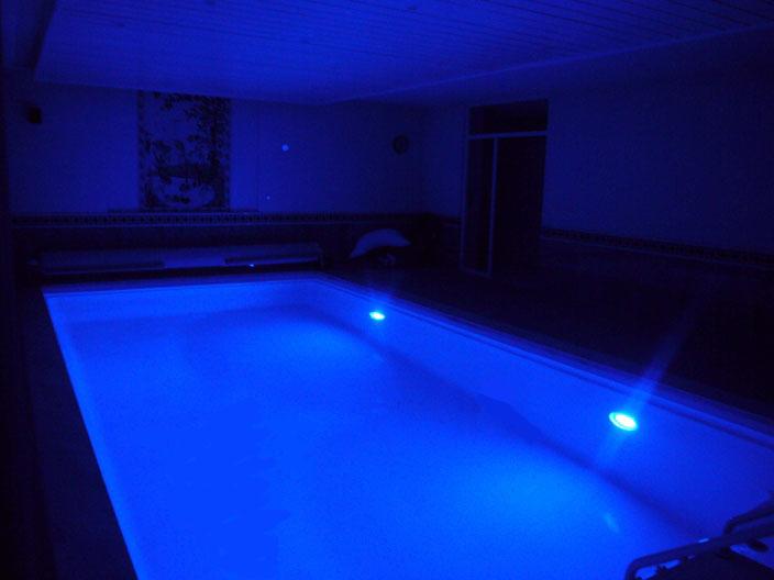 teichbeleuchtung led teichbeleuchtung led heissner unterwasser led spot 3 er led. Black Bedroom Furniture Sets. Home Design Ideas